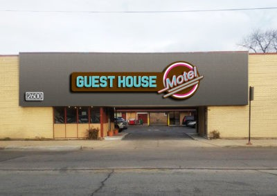 guest-house-motel-sign
